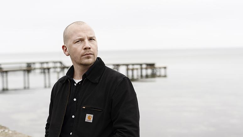 Fredag den 22. oktober kan du møde Morten Pape i samtale med Sarah Smed